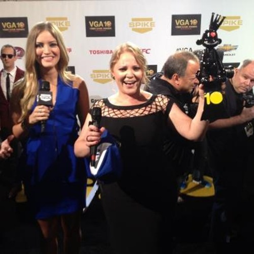 Melissa Hutchison receiving the Spike TV VGA for Best Female Performance